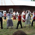 2012 tanssittiin piirileikkejä ja yleisökin sai osallistua, ohjaajana Taina Salminen